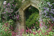 Tuinpoorten - garden gates / De poort naar het hof van Eden - The gate way to your garden of Eden