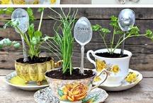 DIY plantenstekers - DIY garden markers / Maak je eigen plantenstekers met de onderstaande tips. Bekijk ook de recycle en upcycle tips - Inspiring pictures of home made plant markers and garden markers.