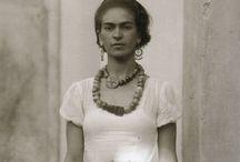 Frida Kahlo Jewelry Game / Art and jewelry.
