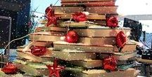 Bookish Christmas Trees / Festive Book Displays