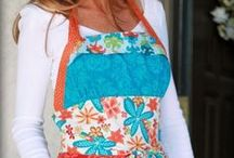 Aprons / by Jeanna Paulhamus (DramaqueenSeams)