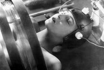 sf-films I love / Ein (unvollständige) Liste großartiger SF-Filme / by Henning Mühlinghaus