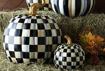 DIY Fall Halloween Harvest Decorating / DIY Harvest, Fall, Autumn Decor - Painted Ideas for making seasonal crafts, table settings, door hangers, wreaths and home  & outdoor decor and decorations.  Tracey's Fancy