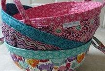 Sewing Boxes, Baskets and Bowls / Mess and clutter is an opportunity to sew! Handmade boxes, baskets and bowls are perfect for providing everything with a home.