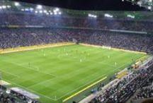 Sport-Veranstaltungen | Fußball, Eishockey, Handball & Mehr / Gemeinsam mit Freunden besuche ich pro Saison so einige Spiele von verschiedenen Vereinen. Als Stadion-Hopper im Ruhrgebiet bezeichne ich mich oft.