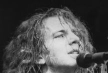 Better Man / Pics of  the Awesome Eddie Vedder young and refined / by Sylvia Coles