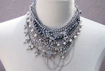 BEjewel YOUrself / Fabulous DIY jewelry tutorials and ideas! / by Bethany {Pitter & Glink}