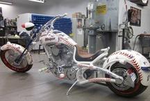 Motorcyclez' / by Minette Perez