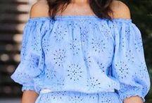 Beach Dress with sleeves / Ideas for beach dresses with all kind of sleeves. Romantic beach dresses with sleeves. Perfect for the beach.