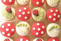 Cupcakes / by Janis Rink