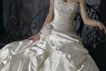 Wedding Dresses / by Maria Kuhn