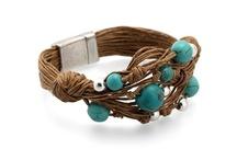 Pulseras - Bracelets / Conoce la gran variedad de pulseras MAR BCN entre los que encontrarás: pulseras de cuero, pulseras con swarovskis, pulseras de metal, pulseras de lino, pulseras con perlas, pulseras con cadena y más, consíguelos en www.marbcnshop.com