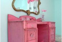 Child Room Inspiration / Decor inpsiration for young children.  Tweens, shared kid rooms and more.