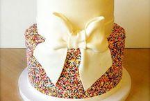 Amazing Cakes & treats! / by Grace Hyatt
