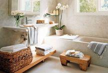 : Bathroom : / In the singing room...