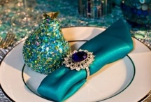 Table Luxe / Are you looking for a creative way to dress your tables? Check out these unique tablescape ideas.