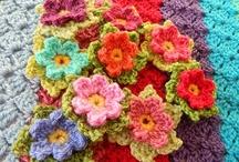 Knit/Crochet-Flowers / Flower patterns for knitting or crochet