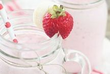 Recipes | Smoothies & Drinks / by Maelyn Cacho