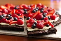 Good Eats & Treats / by Stephanie Middleton