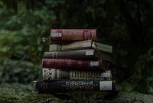 Reading List / by Caroline Rabideau