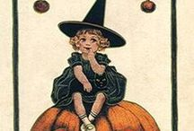 Halloween / by Caroline Rabideau