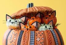 Running towards Halloween / Here you will find all things that are related to Halloween! For example crafts, vintage inspiration and even some food recipes. So let's get out all those candy wrappers and make something awesome!