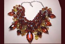 LET'S GET VINTAGE PRESENTS NIFTY NECKLACES / A COLLECTION OF EYE-CATCHING NECKLACES FOR THE LOVER OF VINTAGE COSTUME JEWELRY