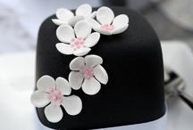 decorated minicakes