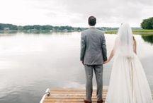 Backyard Weddings / Backyard weddings are so intimate and beautiful! Inspiration that's backyard inspired.