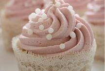 Food -Cupcakes / by Dana Weg