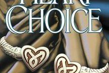 Heart Choice / #4 of the Heart Series, Straif T'Blackthorn, tracker; Mitchella Clover, Interior Designer; Drina, Queen of the World Fam