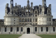 TOUR MONT SAINT MICHEL Y CASTILLOS DEL LOIRA-  / En 4 días conocerás lugares increíbles. Normandía comienza a acogernos para mostrarnos medievales ciudades como Rouen. Mont Saint Michel nos contempla desde lo lejos, alta, tranquila, impresionante... El Valle del Loira nos bañará cuando contemplemos las bellezas que nos ofrecen sus castillos: Villandry, Chambord, Chenonceaux... Agrégale a este circuito tres días en París con nuestros minipaquetes y te quedarás con un gran sabor de boca.