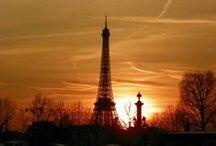 """125 años de la Torre Eiffel y Europamundo / Y es que nuestra querida dama de hierro cumple nada más y nada menos que 125 años.Puedes admirarla desde tantos ángulos que nunca te cansas de hacerlo:desde arriba teniendo París a tus pies,a lo lejos desde Versalles la oteas tímida entre las azoteas,por cada rincón de París sólo con levantar la vista la ves y es que con sus trescientos y pico metros de altura este auténtico """"balcón"""" no deja indiferente a nadie que la ve cuando visitas París.Gracias por vuestras fotos viajer@s¡Felicidades amiga!"""