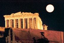 The Parthenon illuminated at night / www.parthenon-greekjewelry.com