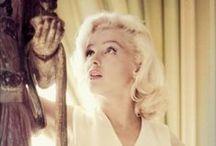 Maquillage années 50 / Prenez un shoot d'inspiration avec les plus belles femmes fatales des 50's ! Vous n'avez plus qu'à dégainer votre eye-liner et votre rouge à lèvres carmin :)