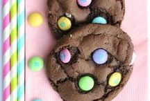 Food: Amazing Desserts / Amazing recipes for my ultimate addiction: sweets. Yum yum! / by Racheal Smith