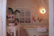 Miniature bathroom / by Maria G