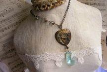 Awesome Necklaces / by Margo Horowitz
