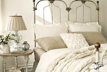 Beauty  Bedrooms  / by Minerva Drinkard