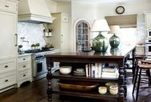 Kitchens / by Elizabeth Burstedt