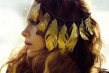 <3 Feathers / by Ioana Cozmescu
