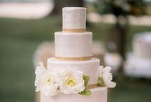 WEDDING CAKE IDEAS / Add a sweet touch to your wedding cake with these ideas. Have fun after the vows are exchanged and the reception begins!