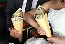 POPCORN BAR IDEAS / Popcorn bar ideas - from treat bags to popcorn seasonings to create a wedding popcorn bar or a gourmet popcorn bar for your corporate event.