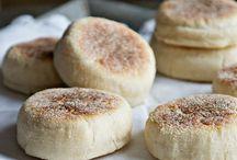 FOOD: Breads & Butters / Breads, rolls, doughy stuff