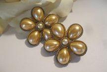 My Vintage Sister Earrings / Vintage earrings for sale, always in style!