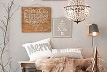 CHRISTMAS | decor / Christmas decor, trees and tablescapes and Christmas vignettes
