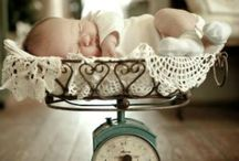 Photography-Newborn, Maternity / Props, poses, tips for working w pregnant women, newborn babies, parents and siblings.