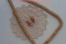 Collares y accesorios . Handmade by Montserrat / Productos elaborados por milcentdeu.es para la venta por mail o por shop online. Pendientes , pulseras y abalorios.