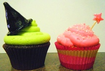 cakes and cupcakes / beautiful cakes, cute cupcakes, and cakepops too!