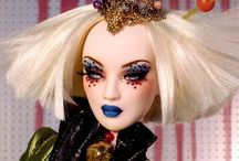 Barbie Dolls / Gorgeous Barbie dolls which are insanely over the top!